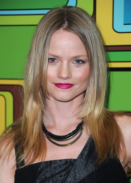 Lindsay Pulsipher Pink Lipstick [hair,face,hairstyle,blond,eyebrow,chin,layered hair,beauty,hair coloring,long hair,arrivals,lindsay pulsipher,hotel,beverly hills,california,the beverly hilton,hbo,party,golden globe awards]