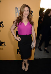 Ana Gasteyer chose a sleek black pencil skirt for her look at the premiere of 'Peeples.'