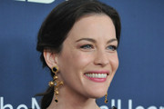 Liv Tyler Gold Dangle Earrings