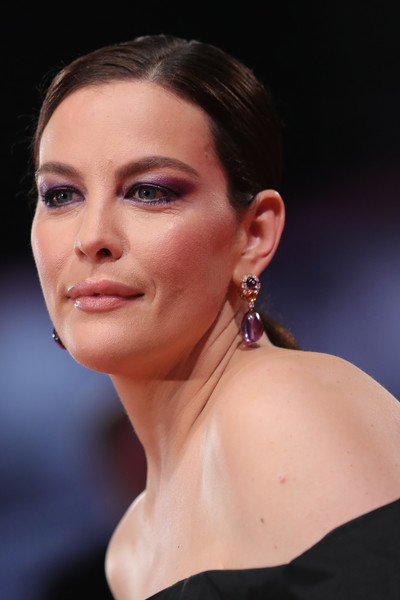 Liv Tyler Jewel Tone Eyeshadow [hair,face,eyebrow,chin,lip,hairstyle,beauty,skin,cheek,nose,red carpet arrivals,liv tyler,sala grande,ad astra,red carpet,venice,italy,76th venice film festival,screening]