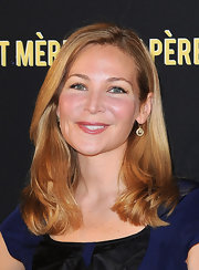 Jennifer Westfeldt stuck to her usual loose side-parted hairstyle when she attended the Art Mere Art Pere Night.