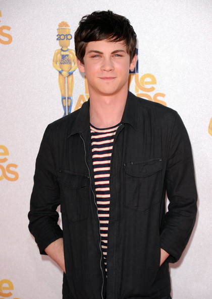 Logan Lerman arrives at the 2010 MTV Movie Awards held at the Gibson