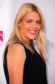 Busy Philipps arrived at the 2012 NewNowNext Awards wearing her long hair down in a super-casual wind-swept style.