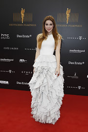 The simple bodice mixed with the avant garde skirt was a very exciting choice on Lena Meyer Landrut.