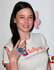 Rachel Nichols wore warm red nail polish at a screening of 'Arthur Christmas.'