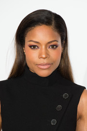 Naomie Harris wore a simple yet elegant straight side-parted style at the London Critics' Circle Film Awards.