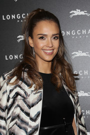 Jessica Alba looked so pretty wearing her hair in a half-up wavy style at the Longchamp cocktail party.