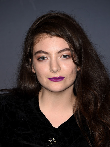 Lorde Berry Lipstick []