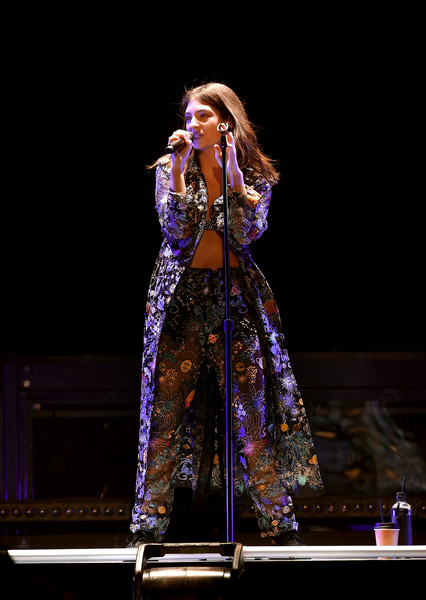 Lorde Pantsuit [lorde,performance,entertainment,performing arts,stage,fashion,event,purple,music artist,public event,singing,staples center,los angeles,california]