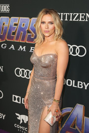Scarlett Johansson matched her sparkling dress with a micro-beaded gold clutch for the world premiere of 'Avengers: Endgame.'