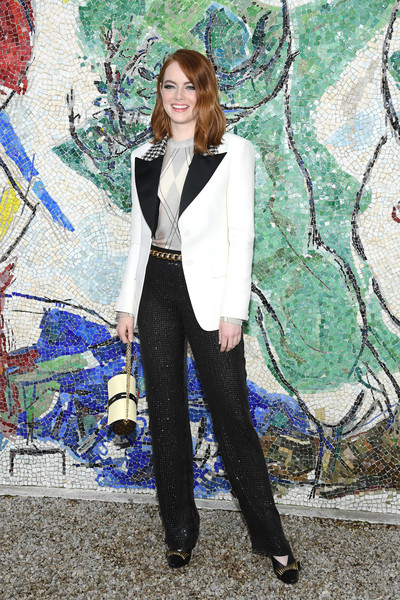 For her shoes, Emma Stone chose a pair of embellished black Louis Vuitton pumps.