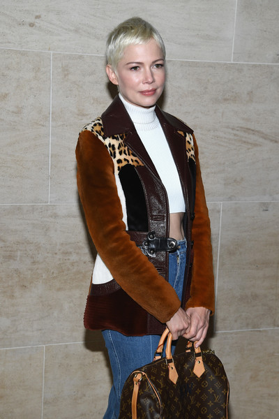 More Pics of Michelle Williams Classic Jeans (4 of 7) - Michelle Williams Lookbook - StyleBistro