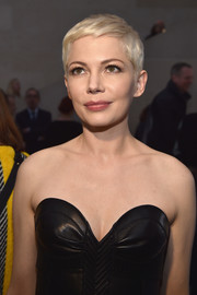 We can't get enough of Michelle Williams' super-cute pixie!
