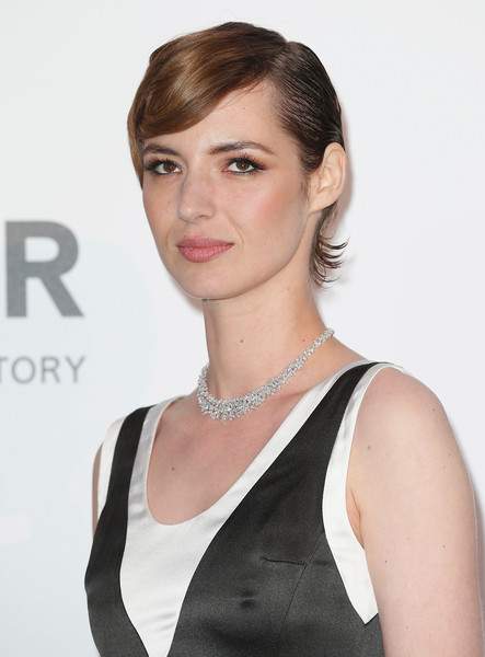 Louise Bourgoin Short Side Part [hair,face,hairstyle,eyebrow,beauty,chin,lip,shoulder,blond,neck,arrivals,louise bourgoin,harry winston,bold films,cap dantibes,france,hotel du cap-eden-roc,amfar,cinema against aids gala,22nd cinema against aids gala]