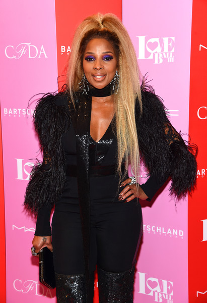 More Pics of Mary J. Blige Over the Knee Boots (1 of 7) - Mary J. Blige Lookbook - StyleBistro [hair,clothing,long hair,hairstyle,beauty,fashion,carpet,brown hair,flooring,eyelash,mary j. blige,new york city,gotham hall,love ball iii]