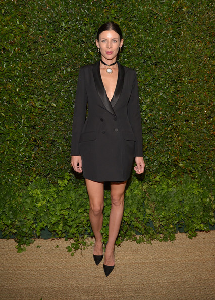 More Pics of Liberty Ross Classic Bun (1 of 2) - Liberty Ross Lookbook - StyleBistro