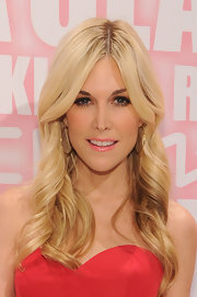 Tinsley Mortimer wore a glossy warm pink lipstick at the MAC Cosmetics Viva Glam party.