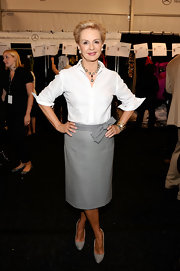 Carolina Herrera wore houndstooth pumps that echoed the look of her skirt.
