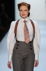 Barbara Meier rocked menswear with this short striped tie at the Lena Hoschek Fashion Show.