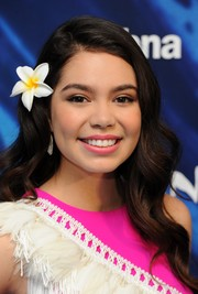 Auli'i Cravalho looked oh-so-pretty with her long wavy 'do at the UK gala screening of 'Moana.'
