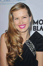 Petra Nemcova's iridescent fuchsia lipstick shone brightly at The Princess Grace Awards Gala.