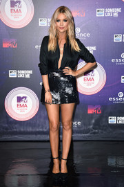 Laura Whitmore's sequined mini and open-front blouse were a fabulously flirty pairing.