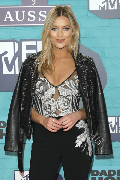 More Pics of Laura Whitmore Platform Sandals (1 of 5) - Heels Lookbook - StyleBistro [clothing,hairstyle,long hair,fashion,carpet,blond,outerwear,brown hair,premiere,black hair,red carpet arrivals,emas 2017,laura whitmore,sse arena,london,england,wembley,mtv]