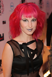 Hayley showed off dark metallic lipstick while attending the MTV Europe Music Awards.
