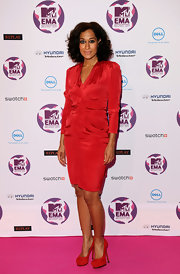 Tracee Ellis Ross was on trend for fall with red platform pumps.