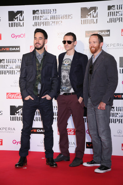 More Pics of Chester Bennington Slacks (1 of 8) - Chester Bennington Lookbook - StyleBistro