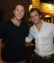 indycar driver Dan Wheldon wore his hair in a classic side-part for this photo opportunity with Trevor Bayne.