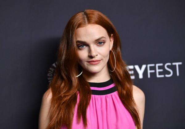 Madeline Brewer Gold Hoops [the handmaids tale,hair,face,eyebrow,hairstyle,lip,beauty,pink,blond,hair coloring,brown hair,arrivals,madeline brewer,los angeles,dolby theatre,california,hollywood,paley center for media,paleyfest]