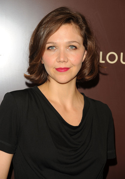 Maggie Gyllenhaal Bob [hair,face,hairstyle,eyebrow,chin,beauty,lip,cheek,brown hair,shoulder,maggie gyllenhaal,saks lifestyle,new york city,louis vuitton,cruise collection,launch,cruise collection launch]