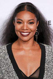 Gabrielle Union wore her hair in a textured ponytail at the premiere of 'Shot in the Dark.'