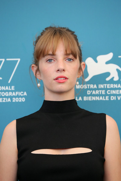 Maya Hawke chose a pretty pink hue for her lips when she attended the Venice Film Festival photocall for 'Mainstream.'