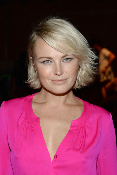 Malin Akerman Layered Razor Cut [hair,blond,face,hairstyle,eyebrow,chin,lip,beauty,pink,layered hair,milly by,michelle smith,malin akerman,front row,art beam,new york city,new york fashion week,michelle smith fashion show]