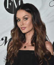 Nicole Trunfio framed her gorgeous face with a flowing wavy 'do for the Mamas Making It Summit.