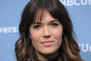 Mandy Moore Medium Wavy Cut with Bangs