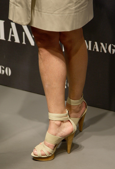 Simona Ventura went for a casual yet chic look with her nude strappy sandals.