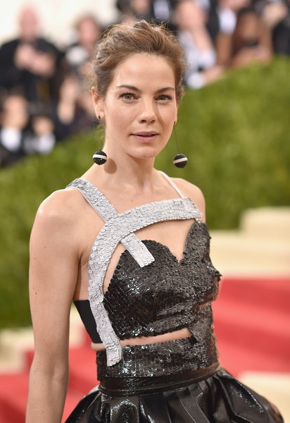 More Pics of Michelle Monaghan Dangling Spheres (1 of 7) - Dangle Earrings Lookbook - StyleBistro [manus x machina: fashion in an age of technology costume institute gala - arrivals,manus x machina: fashion in an age of technology costume institute gala,hair,clothing,carpet,red carpet,hairstyle,dress,fashion,premiere,haute couture,fashion model,michelle monaghan,new york city,metropolitan museum of art]