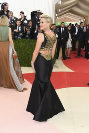 Megyn Kelly made a bold statement at the Met Gala in a black Badgley Mischka mermaid gown with an embellished back.