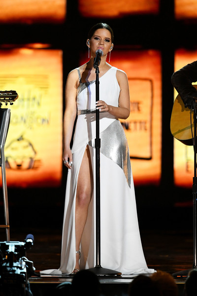 Maren Morris Evening Dress [maren morris,performance,entertainment,music,performing arts,singing,singer,event,musician,microphone stand,microphone,grammy awards,show,annual grammy awards,new york city,madison square garden]