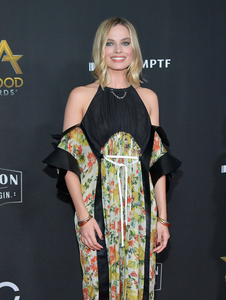 Margot Robbie Bangle Bracelet [margot robbie,clothing,shoulder,dress,fashion model,fashion,joint,hairstyle,beauty,carpet,fashion design,annual hollywood film awards - arrivals,beverly hills,california,the beverly hilton hotel]