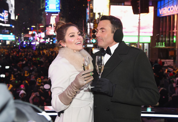 Maria Menounos Leather Gloves [maria menounos,steve harvey live,keven undergaro,r,event,fun,formal wear,suit,ceremony,times square,marriott marquis times square,new york city,wedding ceremony]