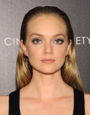 Lindsay Ellingson wore her long hair slicked back during the 'Divergent' screening in NYC.
