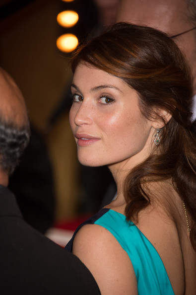 More Pics of Gemma Arterton Evening Dress (1 of 10) - Gemma Arterton Lookbook - StyleBistro