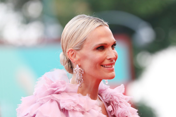 Molly Sims looked elegant with her chignon at the Venice Film Festival screening of 'Marriage Story.'