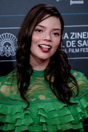 Anya Taylor-Joy wore her hair in a long wavy style at the San Sebastian Film Festival premiere of 'Marrowbone.'