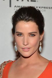 Cobie Smulders attended 'The Avengers' premiere wearing a pair of 18-carat gold polished rock candy organic drop earrings in mother of pearl with diamonds.
