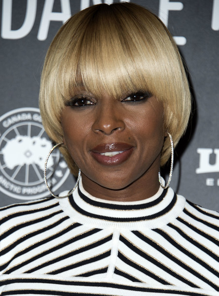 Mary J. Blige Bowl Cut [mudbound premiere,hair,hairstyle,face,blond,bangs,bob cut,eyebrow,chin,bowl cut,layered hair,mary j. blige,valerie macon,eccles center theatre,utah,park city,afp,sundance film festival,mudbound premiere]